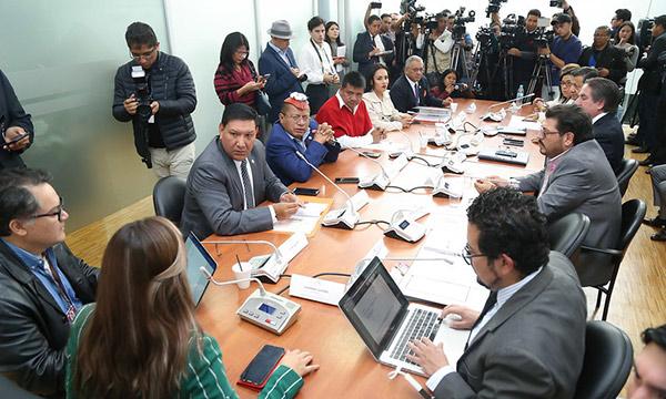 Comisión de Fiscalización aprueba por unanimidad el Juicio Político en contra de Diana Atamaint