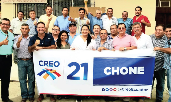 Chone recibe al equipo de CREO y posesiona a sus nuevas autoridades cantonales