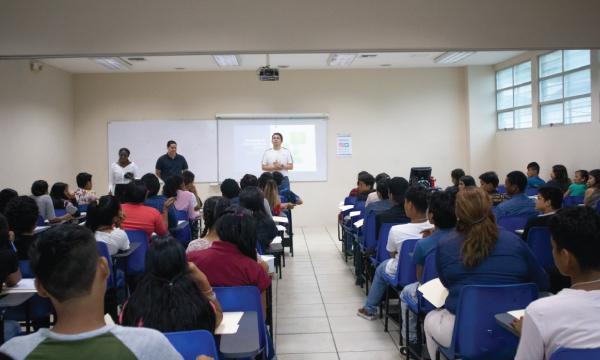 CREO Guayaquil forma en emprendimiento a cientos de jóvenes de zonas marginales