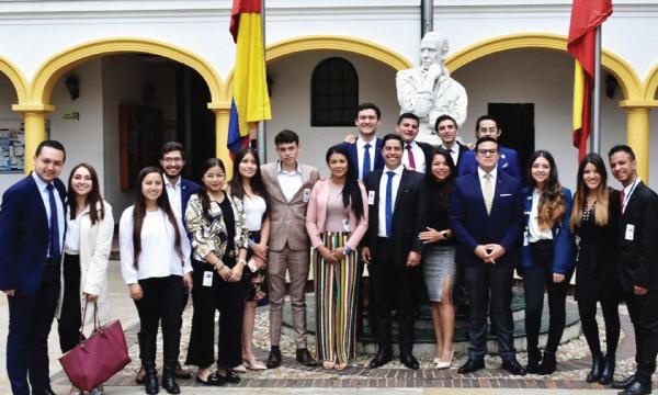 Jóvenes CREO cumple programa de intercambio político con Movimientos de Colombia