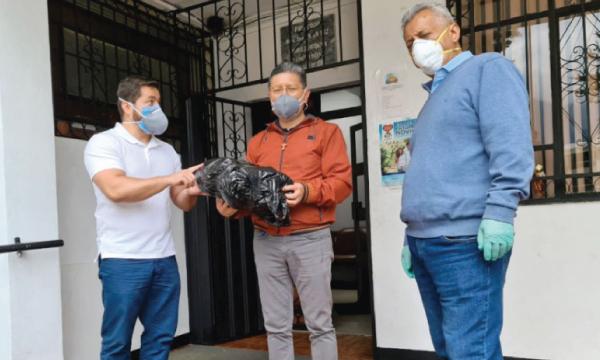 En Quito CREO agradece a Guillermo Lasso y #SalvarVidasEC por la entrega de insumos médicos