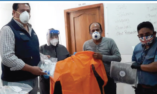 La iniciativa #salvarVidasEC, dirigida por Guillermo Lasso, llegó con donación de respiradores e insumos médicos a La Libertad