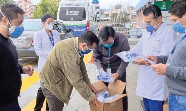 Iniciativa #SalvarVidasEC apoya con equipos e insumos médicos al Hospital del IESS en Quito