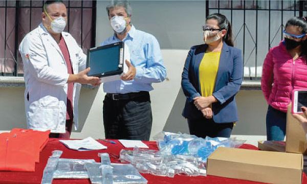 Guillermo Lasso y #SalvarVidasEC llegan con respiradores e insumos médicos a Loja