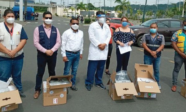 La iniciativa #SalvarVidasEC entregó monitores cardiacos a 5 cantones de Esmeraldas