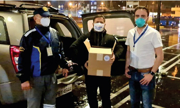 Iniciativa #SalvarVidasEC apoya con equipos e insumos médicos a hospital del Iess Quito Sur
