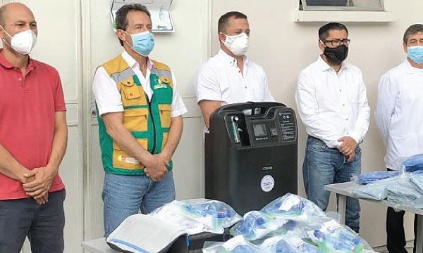 Iniciativa #SalvarVidasEC apoya con equipos e insumos médicos a hospital de Gualaceo
