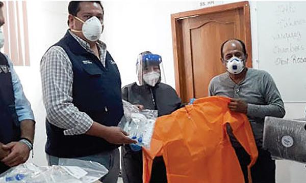 La iniciativa #SalvarVidasEC, dirigida por Guillermo Lasso, llegó donación de respiradores e insumos médicos a la Libertad