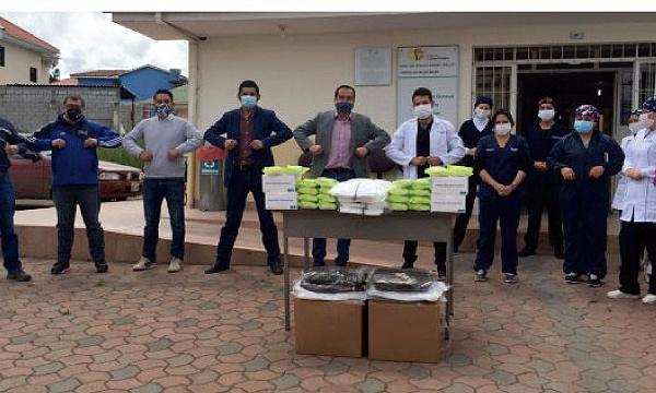 Iniciativa #SalvarVidasEC, apoya con equipos de insumos médicos a Centro de Salud en Déleg
