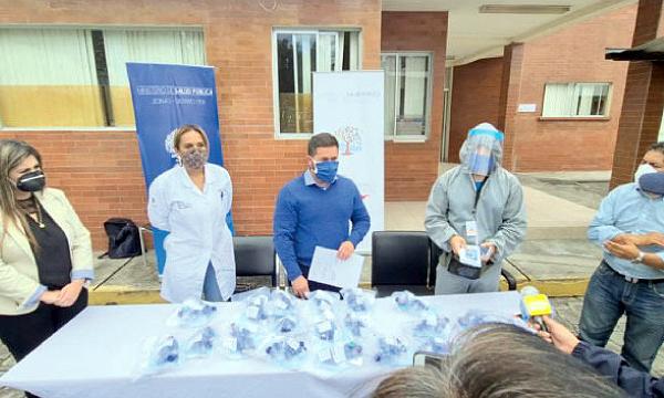 La Iniciativa #SalvarVidasEC entregó equipos médicos a Hospital de Rumiñahui