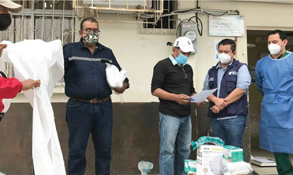 La iniciativa #SalvarVidasEC, dirigida por Guillermo Lasso llegó con donación de insumos médicos a La Libertad