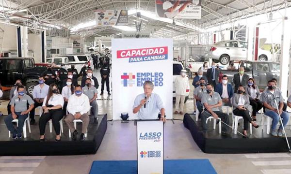 Lasso presentó plan de gobierno encaminado a reactivar la economía ante trabajadores