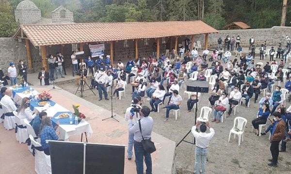 Borrero lleva las propuestas de cambio a Tabacundo
