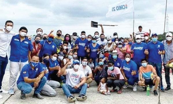 Candidatos del Distrito 1 se unieron en minga de limpieza del estero