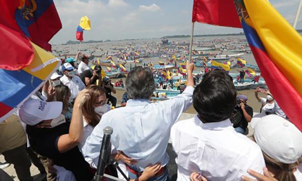 Lasso cerró campaña en Guayaquil al pie del majestuoso Río Guayas