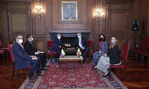 Presidente Lasso se reunió con su homólogo colombiano para tratar temas en beneficio de ambos países