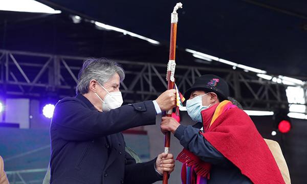 Lasso recibió bastón de mando indígena en medio de promesas para el sector