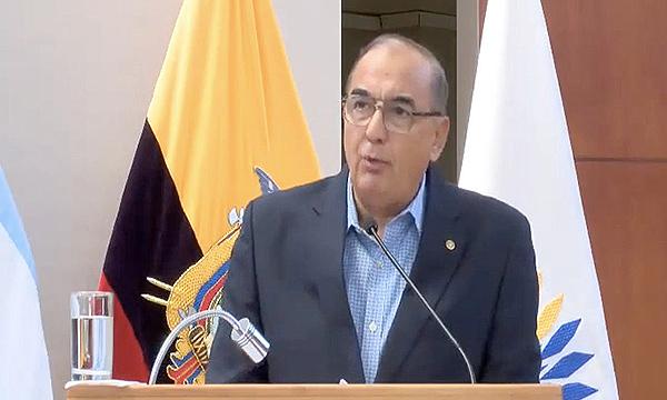 Lasso designó al Almte. Fernando Donoso como nuevo Ministro de Defensa