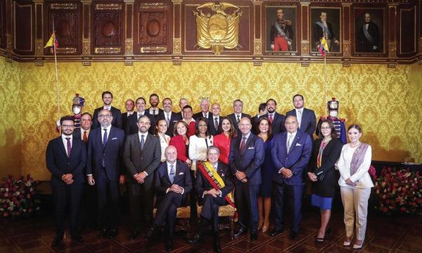 El Gobierno del encuentro, a su servicio.