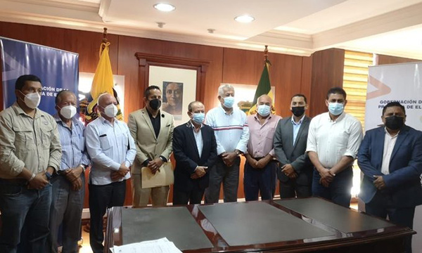 Gobernador de El Oro se reúne con alcaldes y representantes de la sociedad civil
