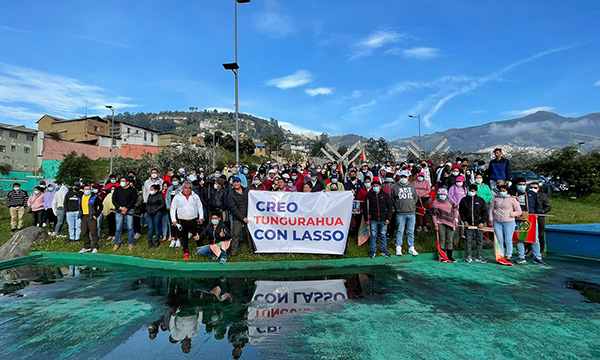 Las delegaciones de todo el país empiezan a llegar en la mañana a Quito para estar presentes y apoyar a la capital!